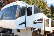 2008 Cameo Carraige Fifthwheel 34ft.